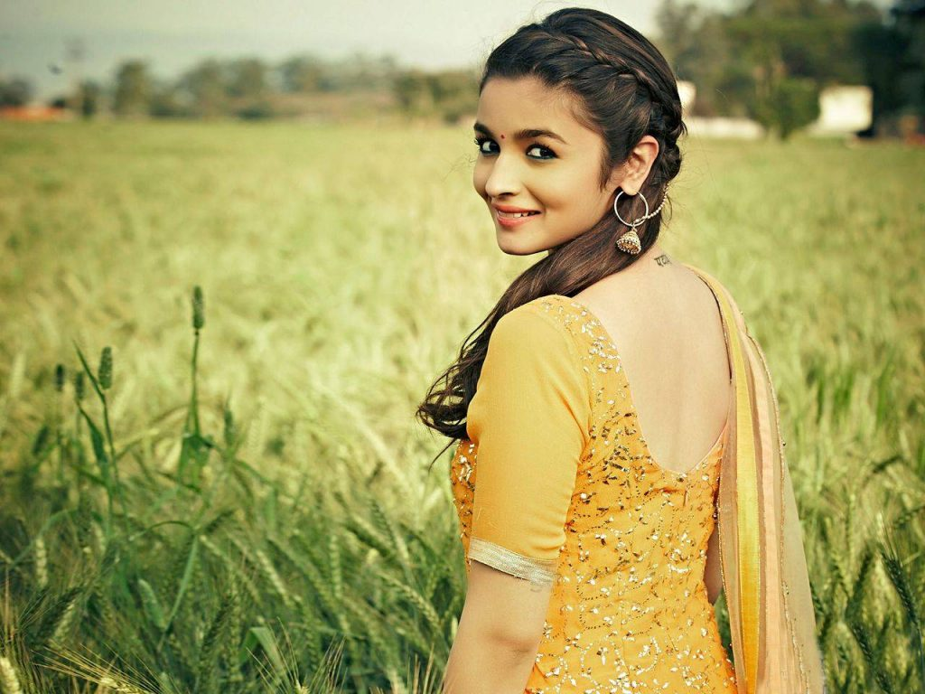 alia bhatt hot stills