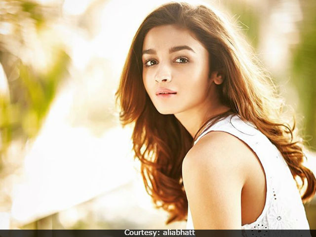 student of the year alia bhatt instagram age